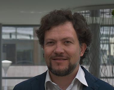 Roberto Vezzaro